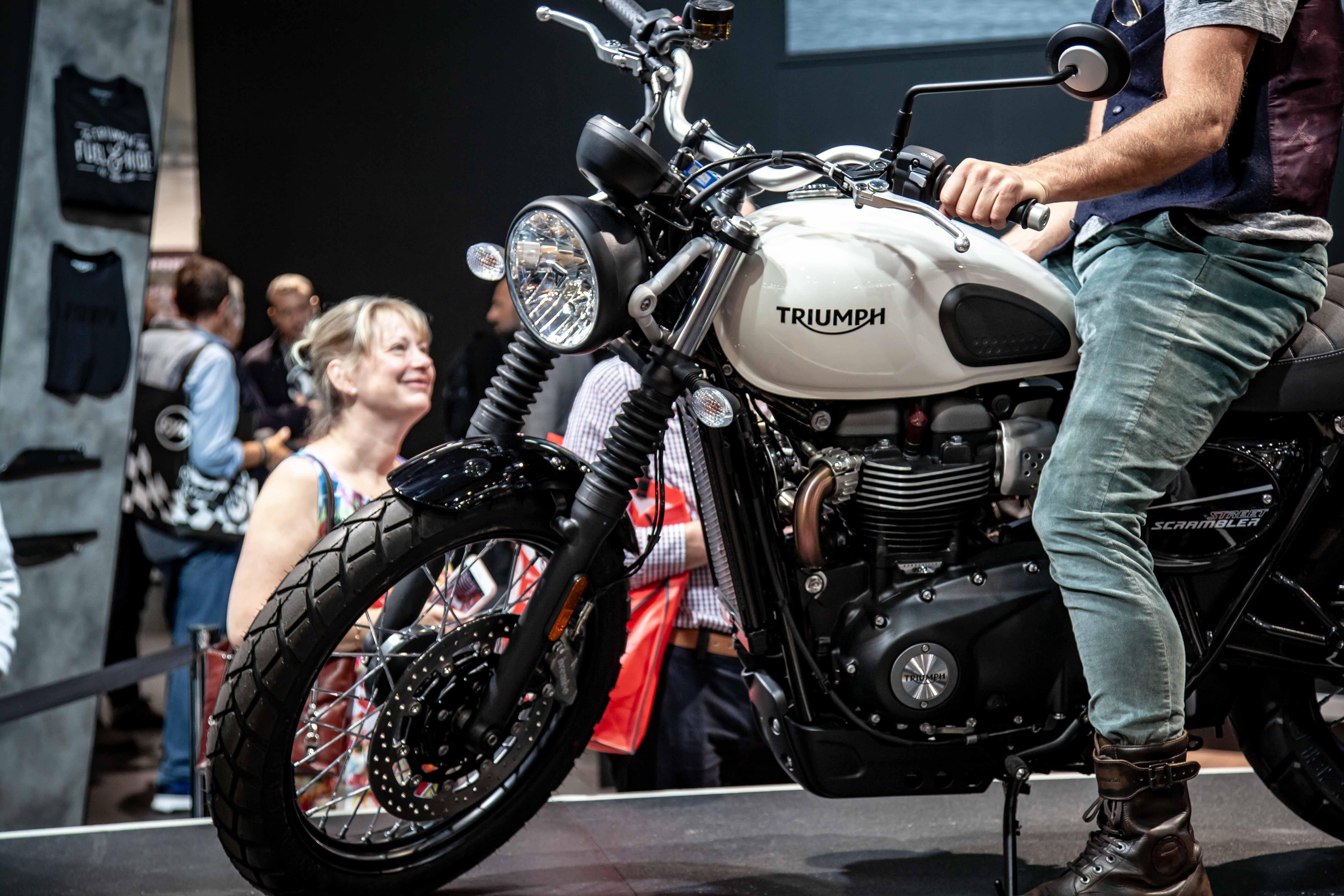 3294289db045 Triumph announces updated 2019 Bonneville Street Twin and Street Scrambler  - RevZilla