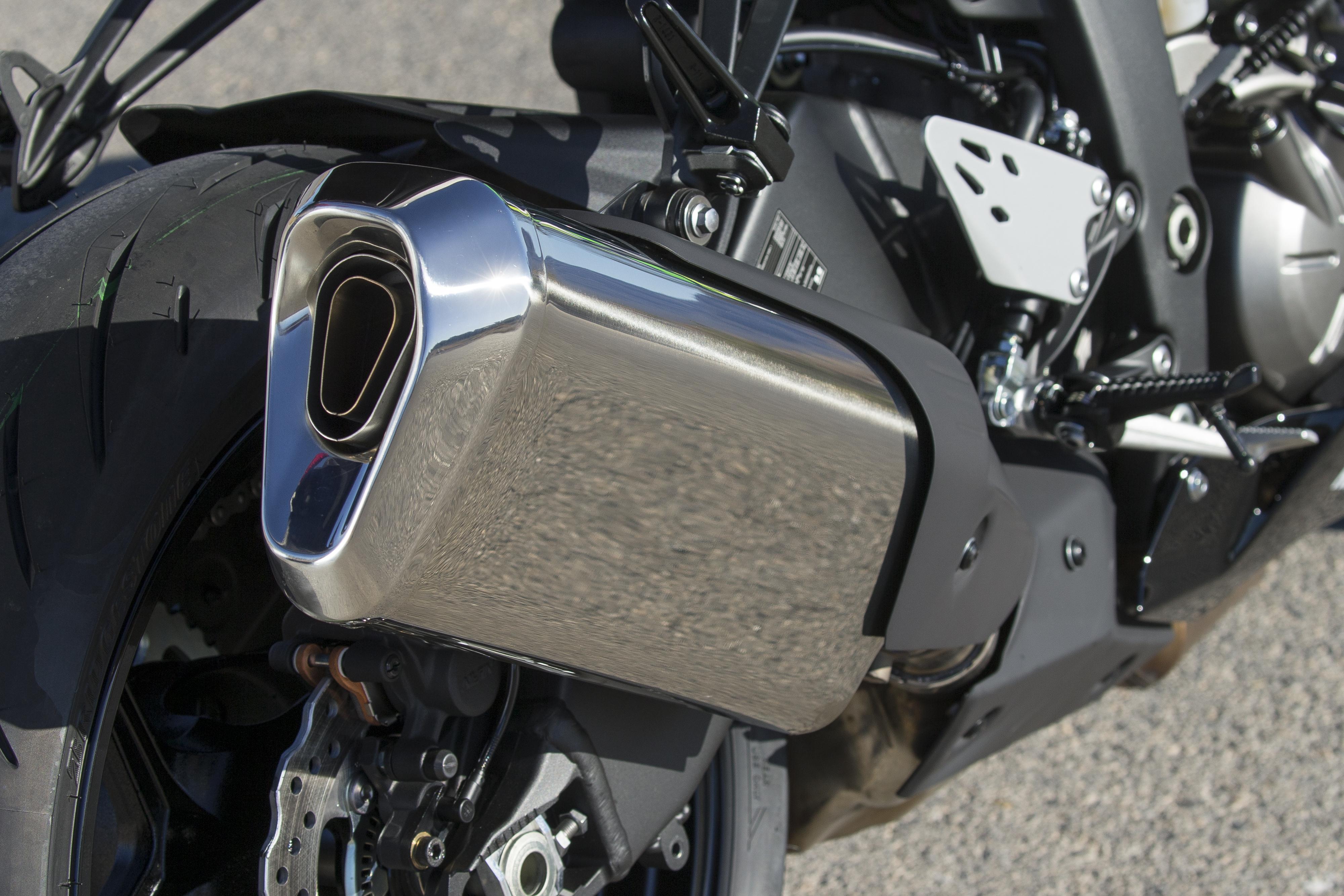 2019 Kawasaki Ninja ZX-6R first ride motorcycle review
