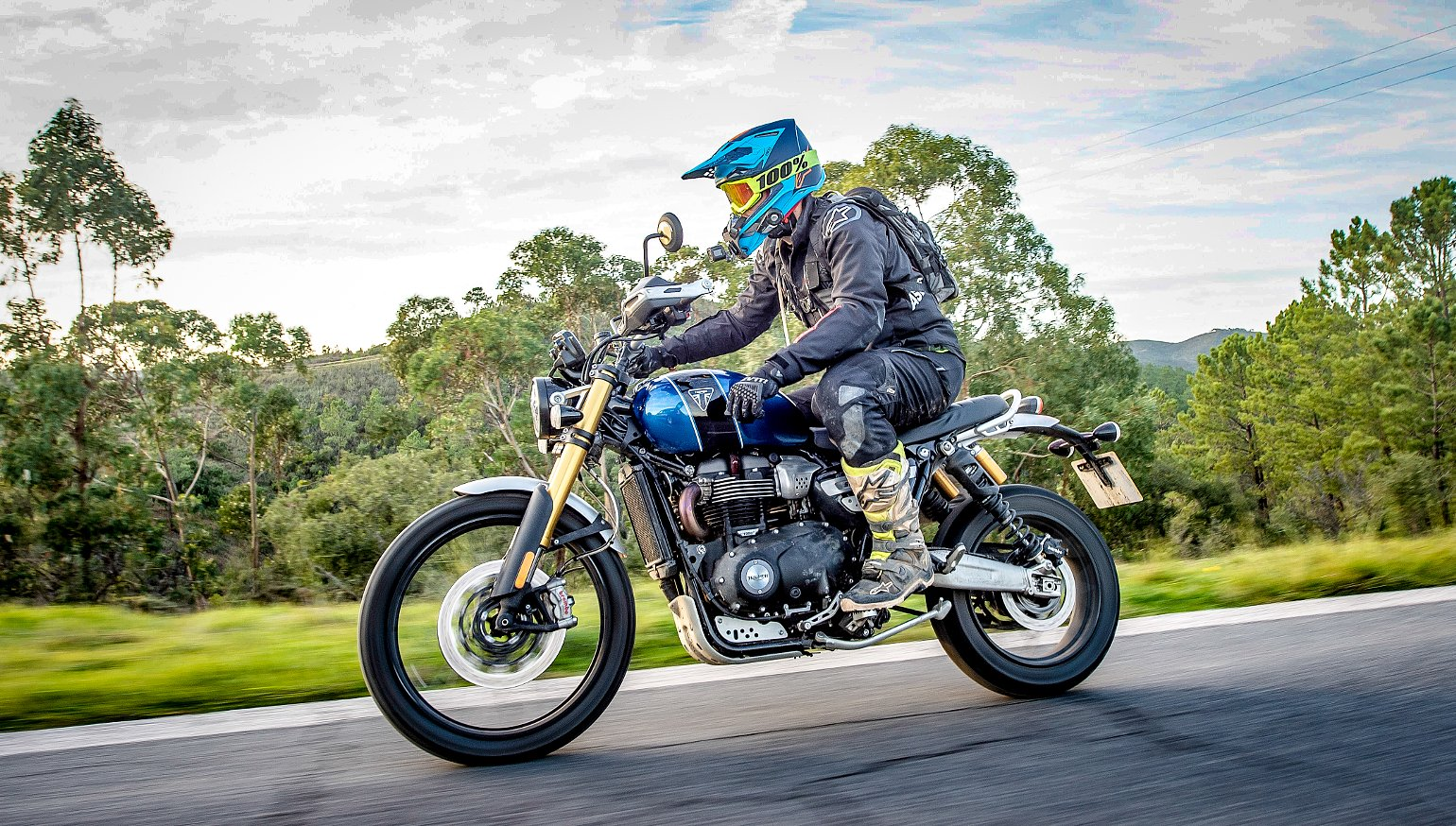 2019 Triumph Scrambler 1200 Xc And Xe First Ride Review Revzilla