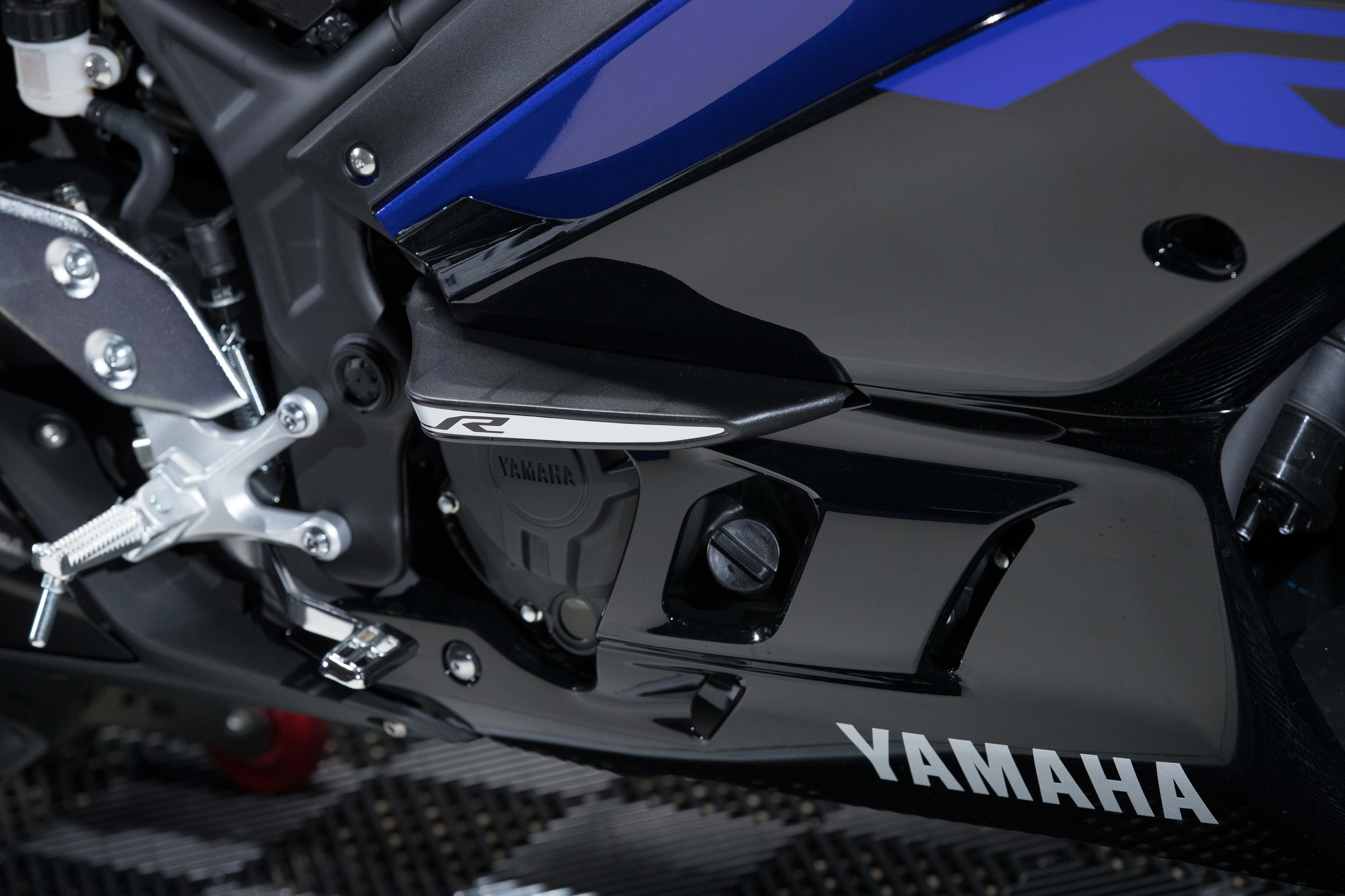 2019 Yamaha YZF-R3 first ride review - RevZilla