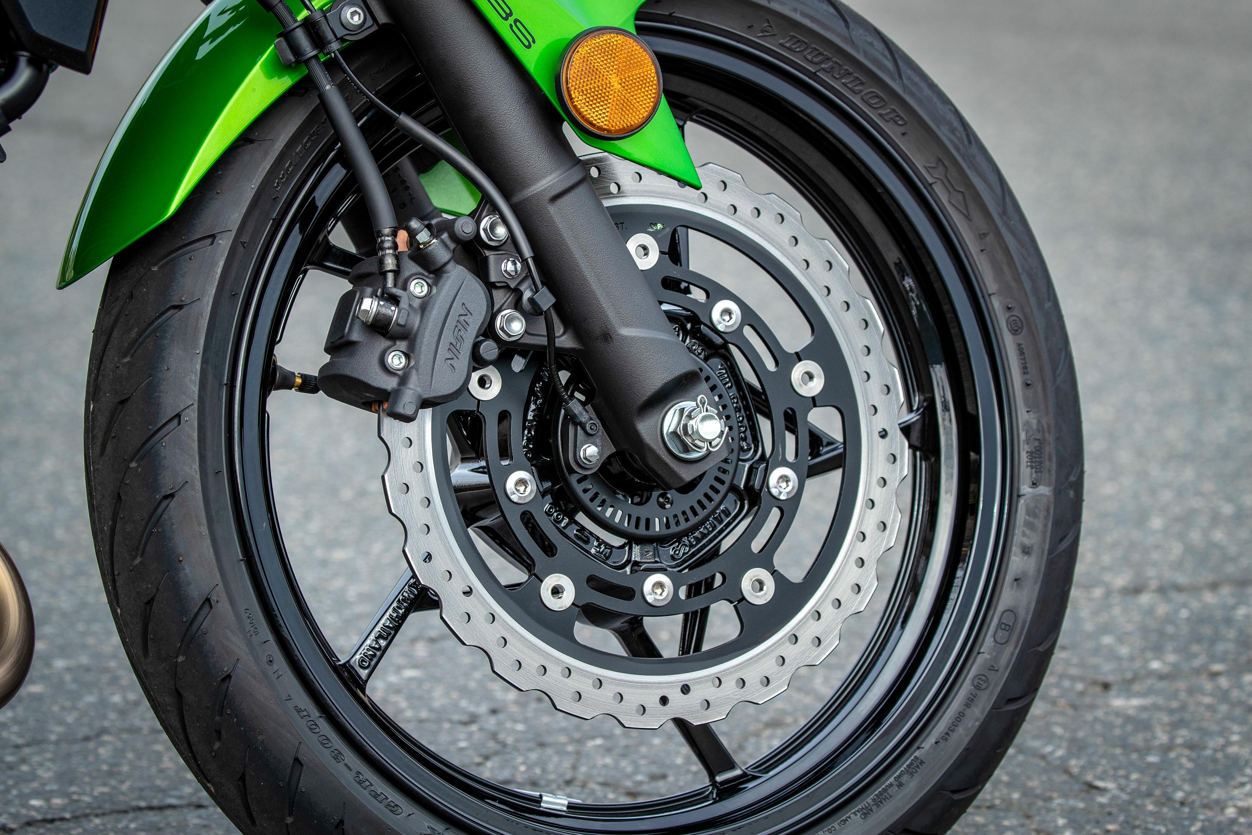 2019 Kawasaki Z400 first ride review - RevZilla