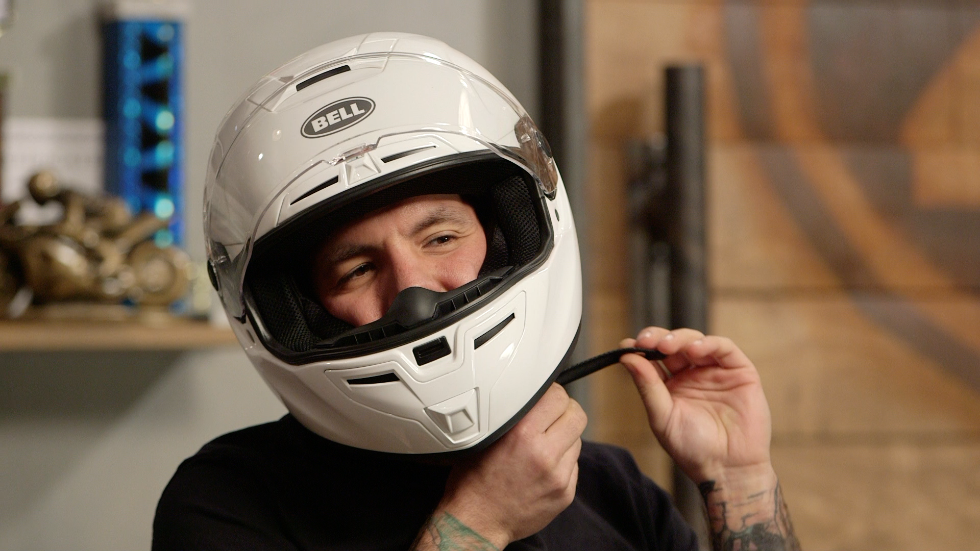 Buy Motorcycle Helmet >> How To Size And Buy A Motorcycle Helmet Revzilla