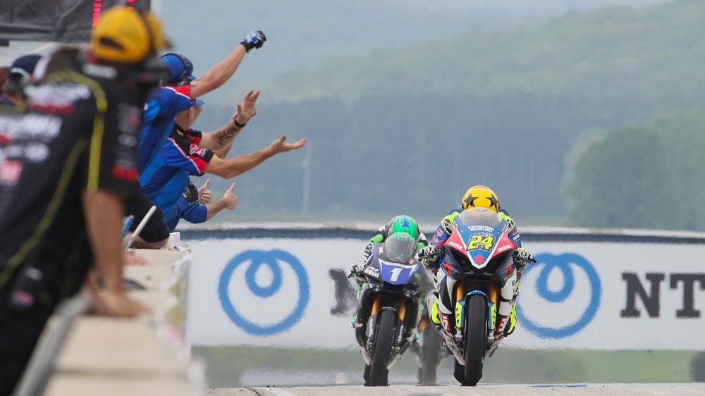 Another tight finish at Road America as MotoAmerica Superbikes battle on