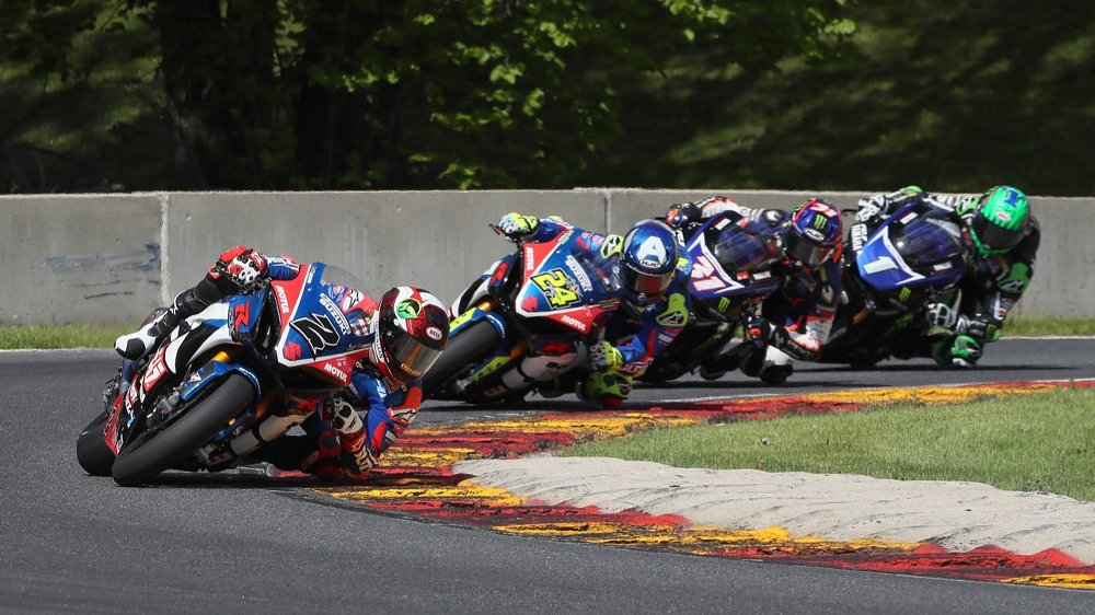 An audacious pass and a last-second error shake up MotoAmerica Superbike