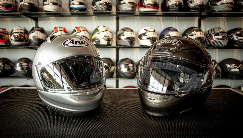 Shoei vs. Arai helmets