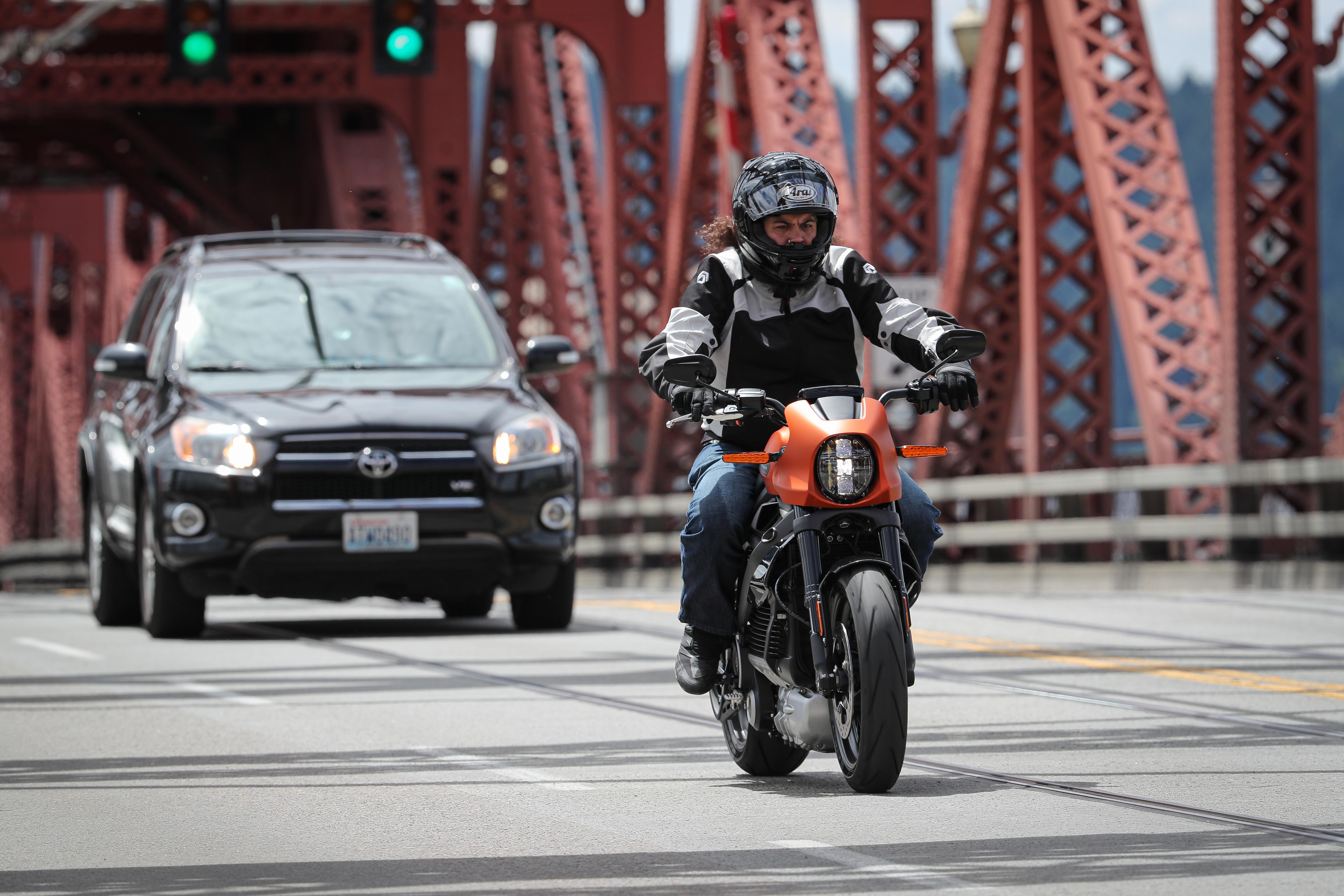 2020 Harley-Davidson LiveWire first ride - RevZilla