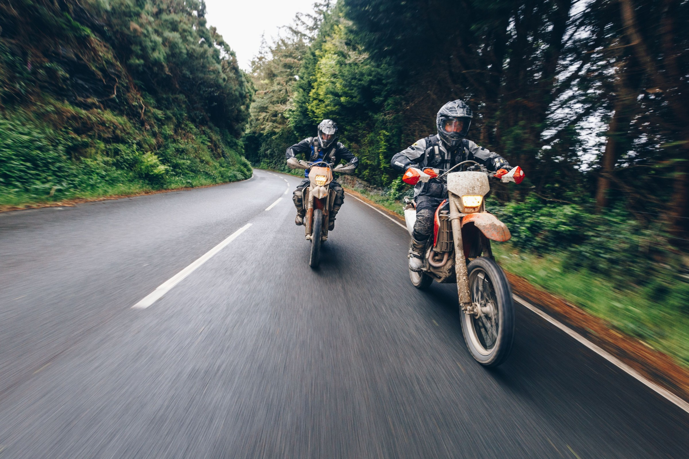 Ari and Zack race the Isle of Man (but not in the TT) - RevZilla