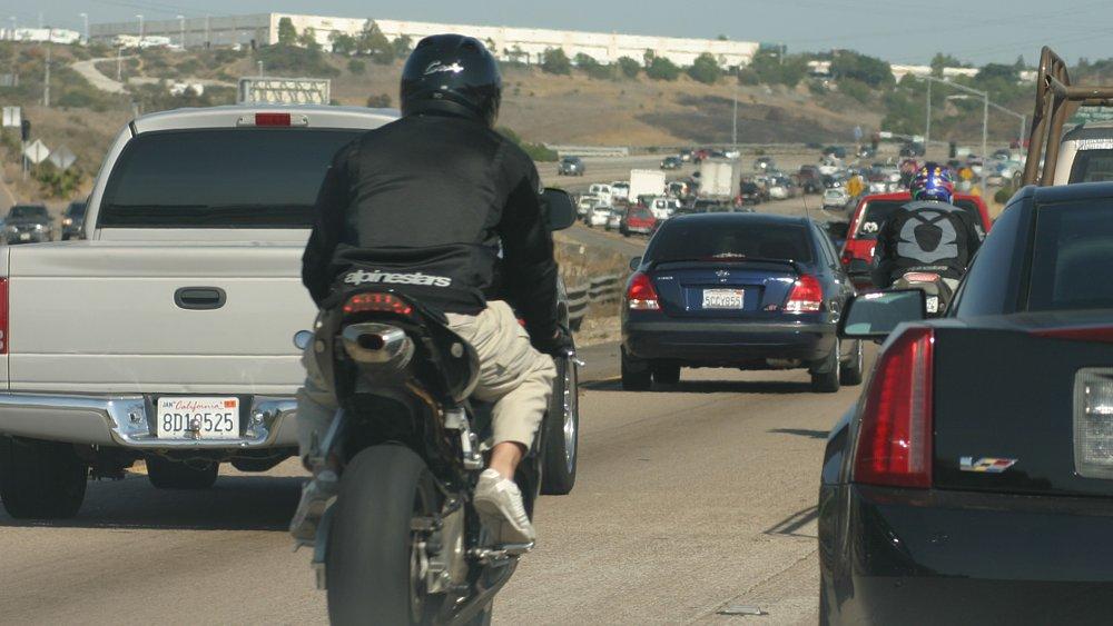 Arizona and Virginia consider lane-filtering laws