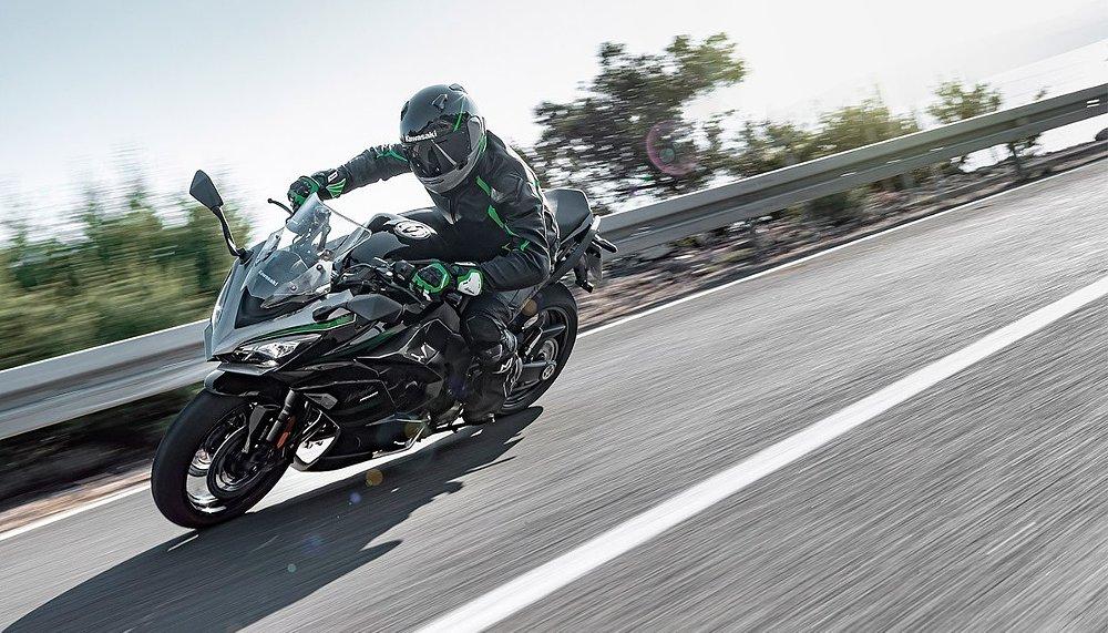 2020 Kawasaki Ninja 1000SX: A virtual introduction