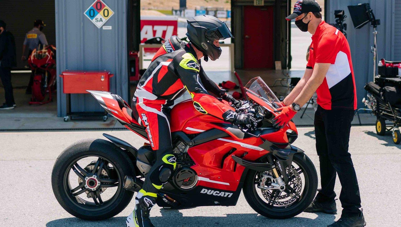 2020 Ducati Superleggera V4 First Ride Review Revzilla