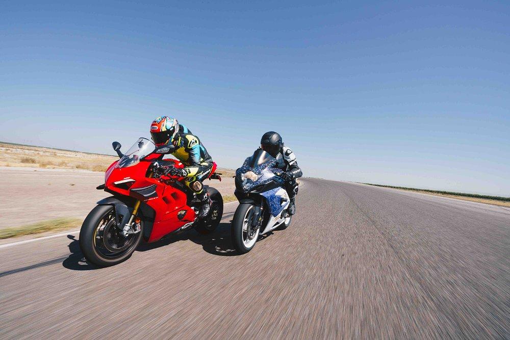 Old versus new superbike challenge: 2005 Suzuki GSX-R1000 and 2020 Ducati Panigale V4 S