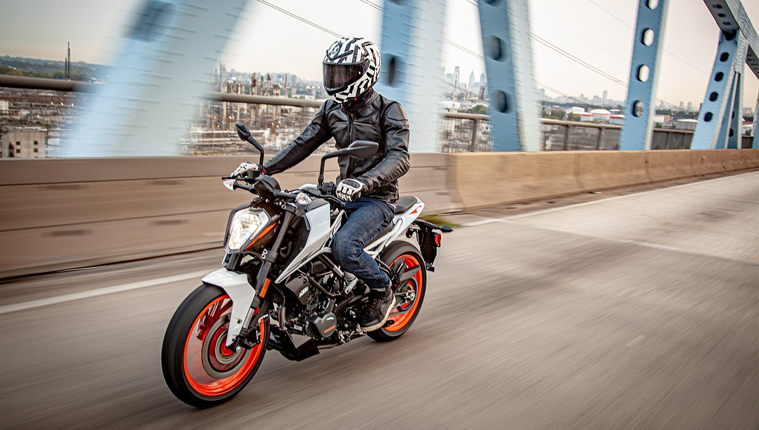2020 KTM 200 Duke first ride review