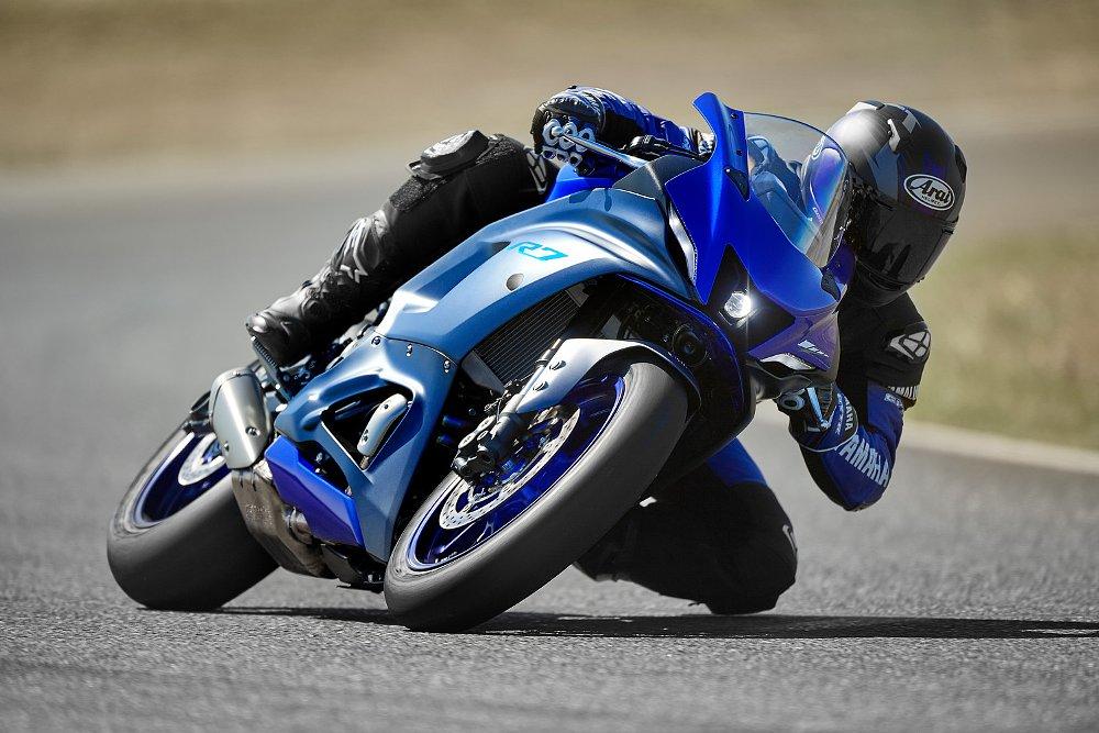 2022 Yamaha YZF-R7 first look