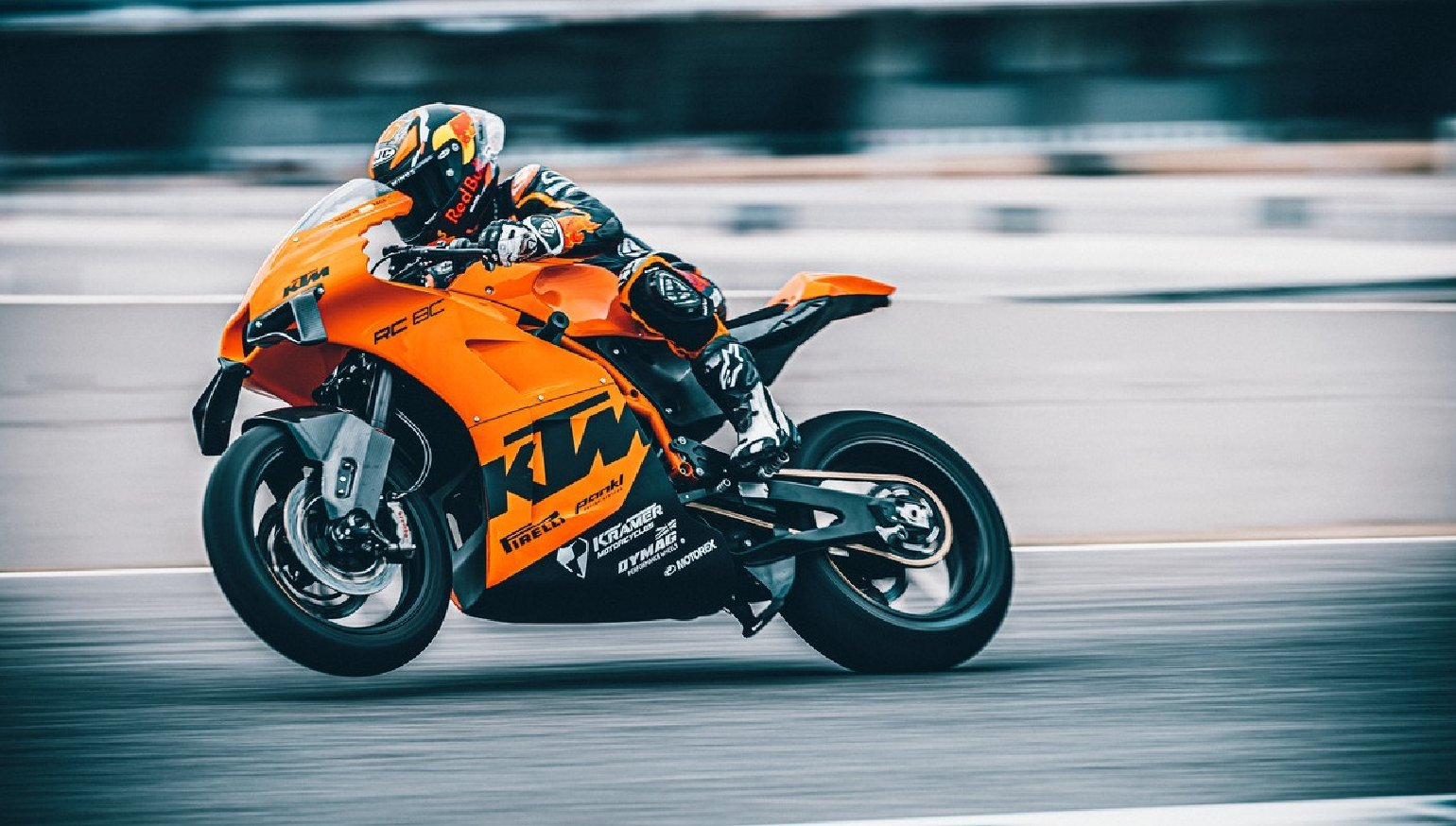 KTM offers its idea of the ideal track-day bike, in very limited numbers