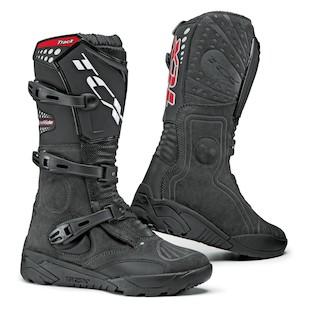 TCX Track Boots