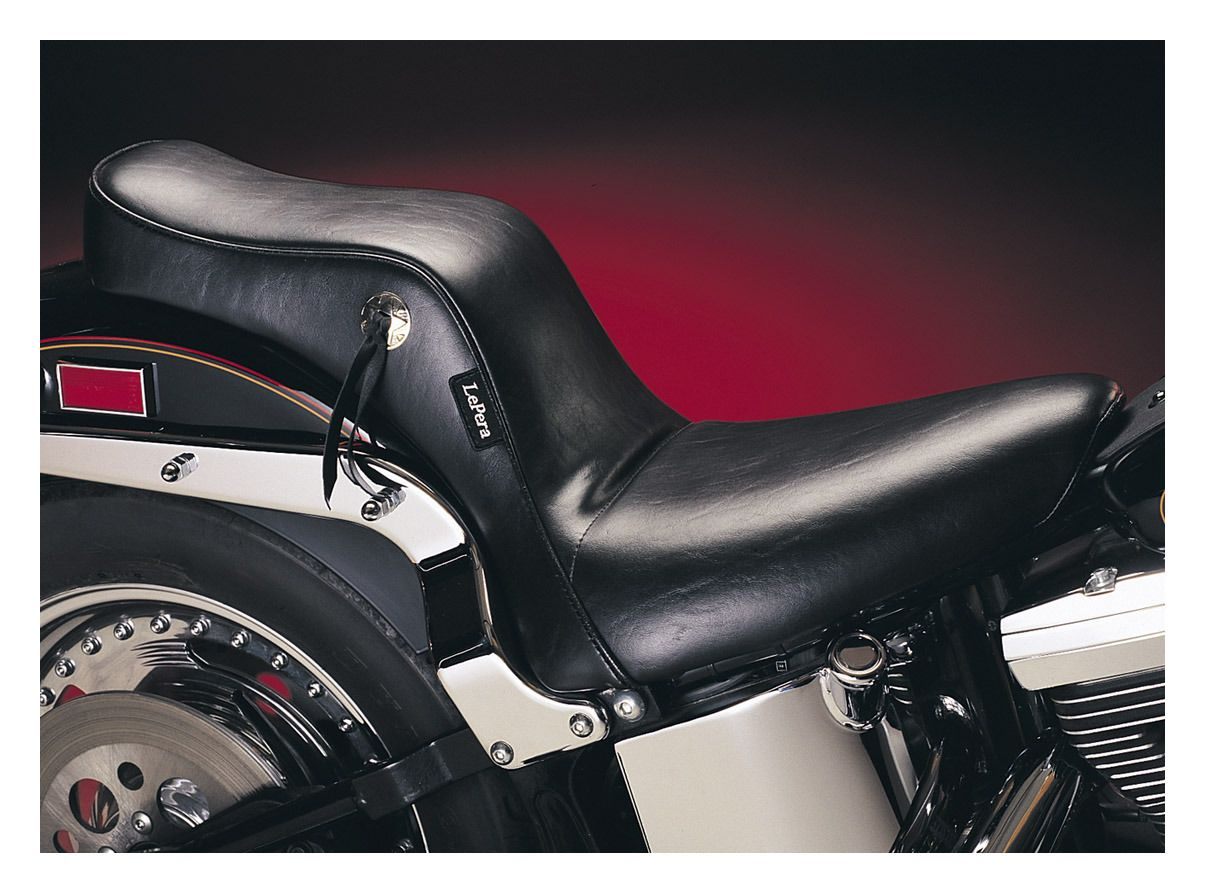 Le pera cherokee seat for harley softail with standard for Garage seat le bouscat