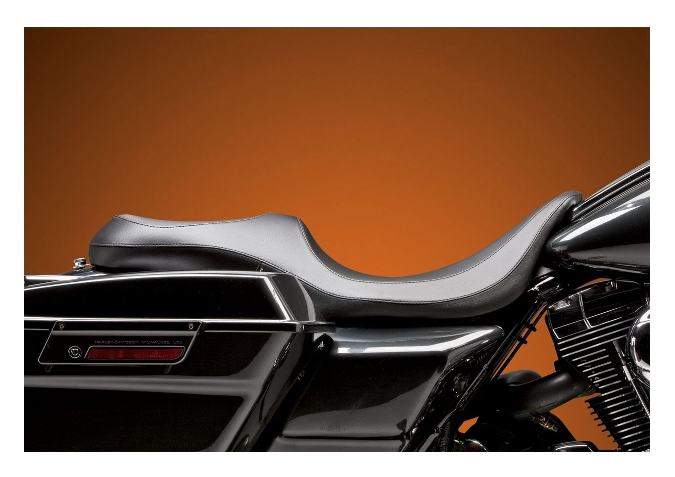 Le pera villain seat for harley 10 off revzilla for Garage seat le bouscat