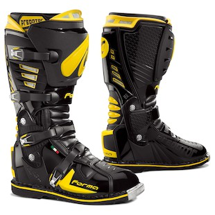 Forma Predator Boots - Closeout (Color: Black/Yellow / Size: 44)