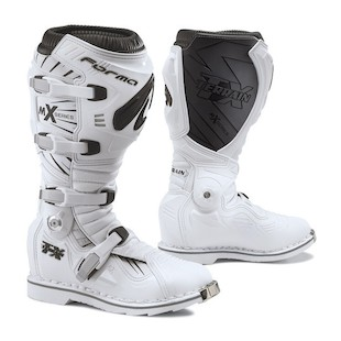Forma Terrain TX Boots (Color: White / Size: 43)