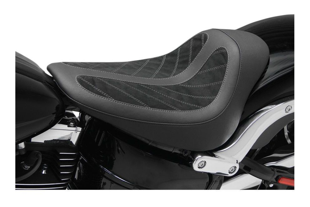 Mustang Kodlin Solo Seat For Harley Softail Breakout 2013