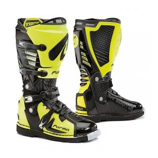 Forma Predator Boots - Closeout